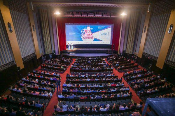 Noite de abertura do 27º Cine Ceará lotou o Cineteatro São Luiz